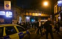 Неизвестный бросился с ножом на толпу возле метро Лондона, есть погибший и раненые