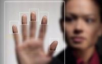 Индийских студентов идентифицируют с помощью биометрических технологий