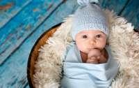 К новорожденному мальчику на Закарпатье родители отнеслись с приколом