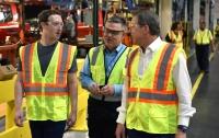 Засновник мережі Facebook Марк Цукерберг відвідав компанію Ford
