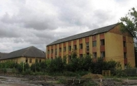 На Закарпатье на территории бывшей воинской части погибла девушка