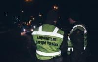 В Киеве женщина изрезала мужчину посреди улицы