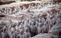 В КНР требуют сурово наказать укравшего палец статуи Терракотового воина