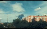 Сгорел военный завод в соседней стране (видео)