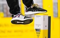 В Германии выпустили кроссовки со встроенным проездным