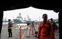 На месте авиакатастрофы в Индонезии обнаружили останки 10 погибших