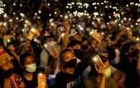 Протестующие в Таиланде больше не верят в божественность монархии