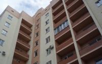 В Кривом Роге 60-летняя женщина пыталась спрыгнуть с балкона 5-го этажа