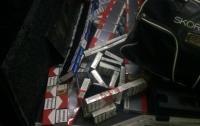 На Закарпатье пограничники остановили румына с партией контрабандных сигарет