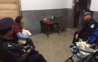 Мечтающий о сыне китаец узнал о рождении дочери и продал ее