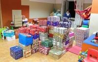 Две семьи из ФРГ собрали полсотни подарков для украинских пенсионеров