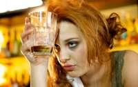 После трех бутылок вина девушка проснулась в постели со странным незнакомцем (видео)
