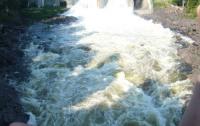 В Славянске прорвало дамбу: город рискует уйти под воду