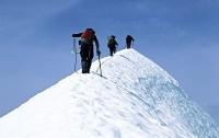 Спасатели эвакуировали с Эльбруса травмированного украинского альпиниста