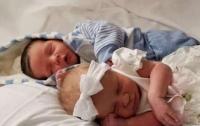 Двойной праздник: мать и дочь родили в один день