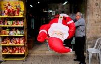 В США уволили учительницу за публичное разоблачение Санта-Клауса