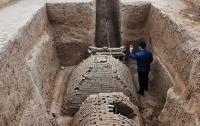 Археологи откопали в Китае древнюю мини-пирамиду