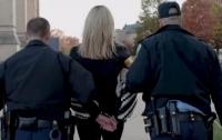 В США арестовали украинку во время антироссийской акции