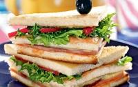Депутат ушел в отставку после кражи бутерброда