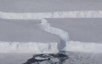 В Антарктиде появился новый крупный айсберг (фото)