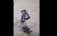 Опасные гаджеты: iPhone взорвался в салоне красоты