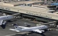 Самолет с сотней пассажиров неожиданно загорелся