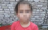 Рецидивисты ограбили 7-летнюю девочку