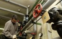 Долги за воду: в Киеве перекрывают канализацию в квартирах (видео)