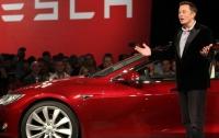 Tesla получила рекордный убыток: названа причина