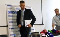 Помпео высоко оценил работу Хуга на Донбассе