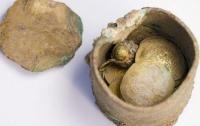 Золотые монеты средневековья обнаружены в Кесарии