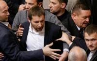 Драчливый депутат неправильно заполнил документы в ЦИК