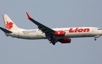 Самолет Lion Air с пассажирами на борту врезался крылом в столб перед взлетом