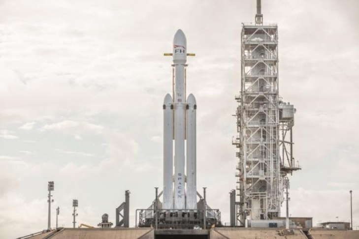 «Шатдаун» вСША: SpaceX перенесла тестирование Falcon Heavy