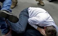 На Прикарпатье полицейские жестоко избили мужчину (видео)