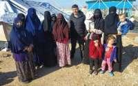 Из сирийского лагеря освободили украинок с детьми