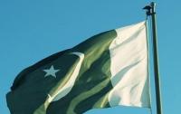 Не менее 10 человек погибли в результате падения самолета в Пакистане