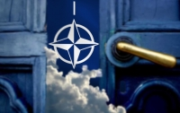 Решение о вступлении в НАТО должен принять народ, - Полторак
