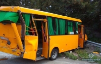 В Киеве столкнулись маршрутка и грузовик, пострадала женщина