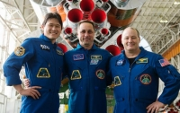 Новый экипаж из трех человек успешно доставлен на МКС