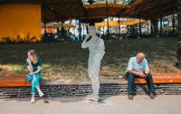 В центре Киева выстроились силуэты расстрелянных жертв войны