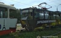 Два трамвая не поделили рельсы в Харькове