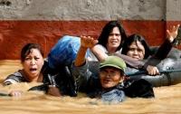 На Филиппинах бушует тропический шторм: есть жертвы