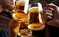В Японии робот-бармен наливает идеальную пинту пива (видео)