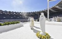 Папа Римский отслужил историческую мессу в ОАЭ (фото)