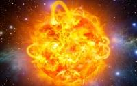 Мощная вспышка на Солнце обрушит на Землю магнитную бурю