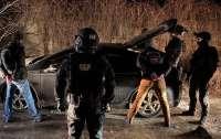 Столичные полицейские решили зажить, как бандиты 90-х (видео)