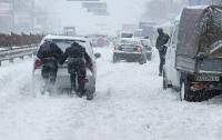 Киевских водителей просят не ездить на авто
