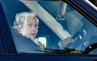 Королева Елизавета в свои 93 года снова села за руль внедорожника (видео)
