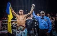 Усик нокаутировал Хука в четвертьфинале Всемирной суперсерии бокса